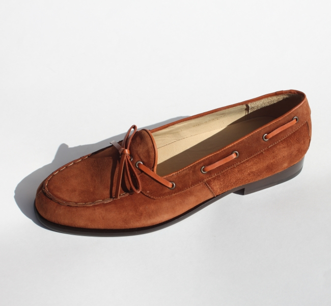 Alan Payne Vino Suede Twist Tie Loafers Honey Image