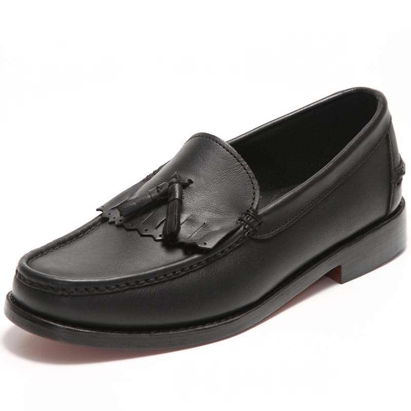 Handsewn Shoe Co. Tassel Kilt Loafer Black Image