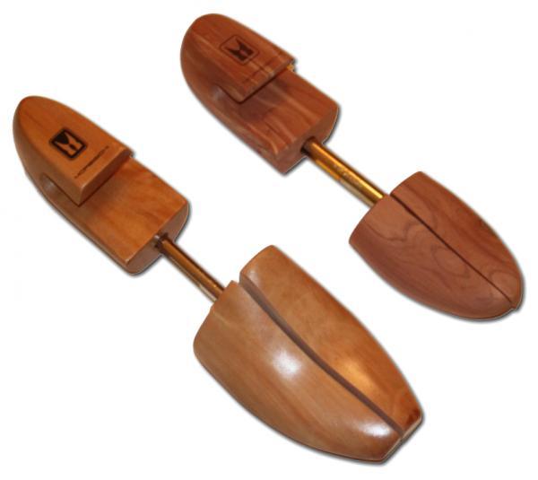 Moreschi Cedar Shoe Trees Image