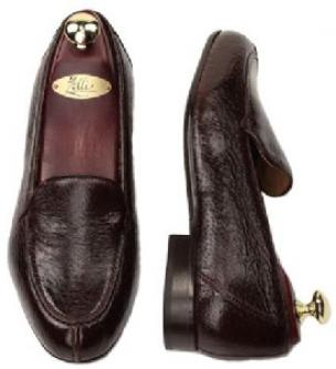 Zelli Como Peccary Split Toe Slip On in Brown Image